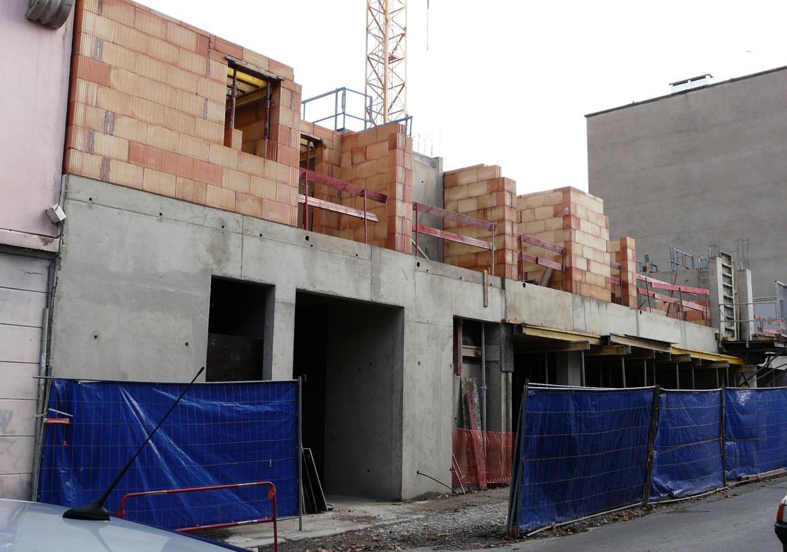 20 rue benoit malon pose symbolique de la premi re for Architecture symbolique